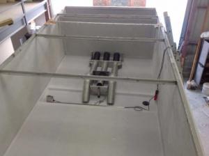 Photo d'une cuve d'alimentation rectangulaire Acqua+ réalisée sur mesure par Alistep